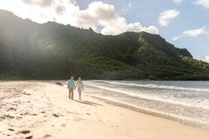 Our Hawaiian Babymoon: Maternity Photos at Kahana Bay, Hawaii